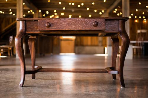 Arbor Table